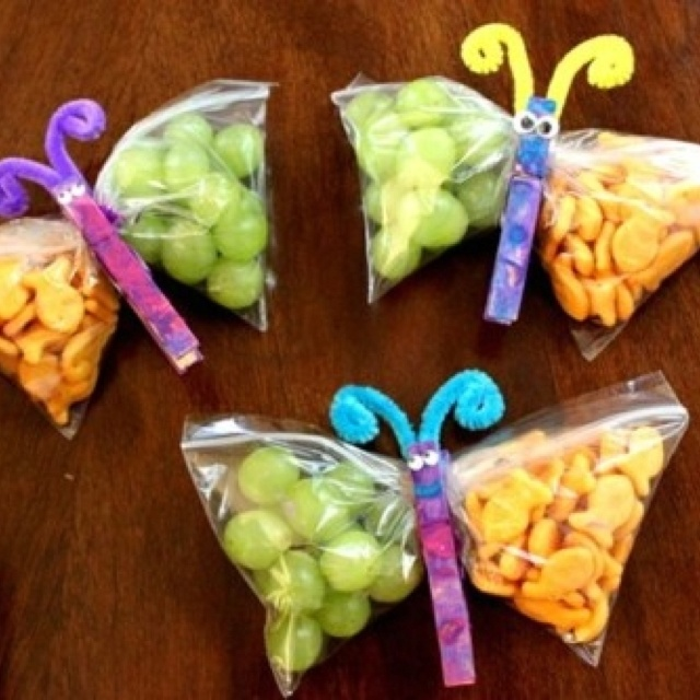 Great snack idea!  The trick will be how to get the kids to bring the butterfly clothespin back home from school!