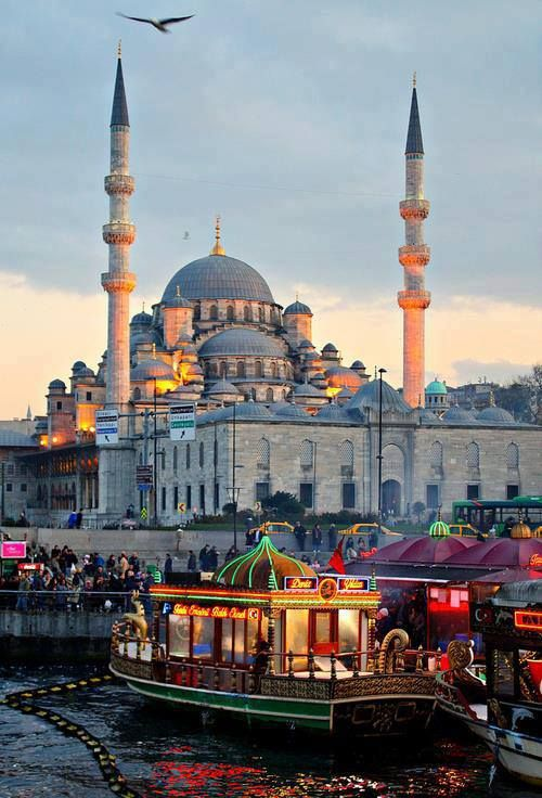 Istanbul, Turkey #travel #places <3 Visit http://www.hot-lyts.com/ for beautiful background images