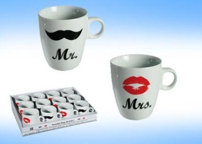 3.500 Ft helyett 2.290 Ft: Ötletes évfordulós ajándékot keresel? Mr. és Mrs. bögreszett pároknak, egy bajszos bögrével a fiúnak és egy csókossal a lánynak bármely alkalomra!