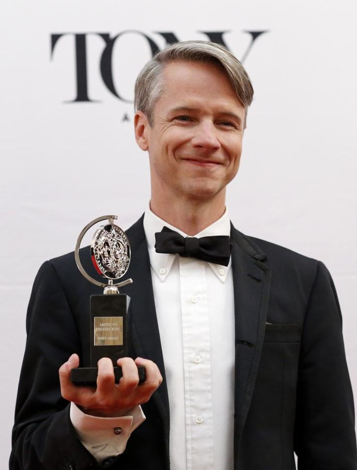 Hedwig and the Angry Inch creator John Cameron Mitchell poses with his Special Tony Award backstage. REUTERS/Eduardo Munoz