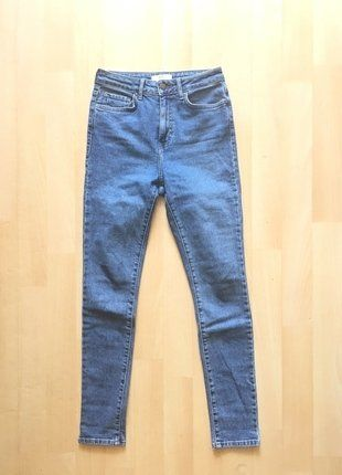 À vendre :  http://www.vinted.fr/mode-femmes/pantalons-droits/38250981-jean-slim-bleu-clair-forever-21