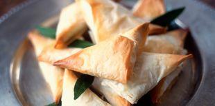 Découvrez la recette Feuille de brick au saumon fumé sur cuisineactuelle.fr.