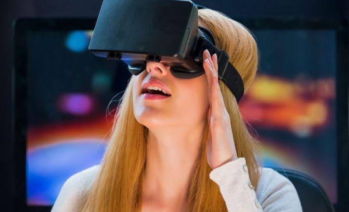4 syytä miksi virtuaalitodellisuus on markkinoinnin kuuma puheenaihe vuonna 2016 | Dagmar #augmentedreality #dagmarstories