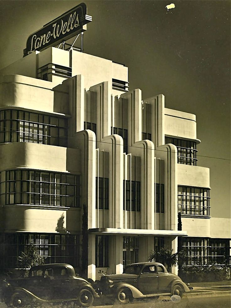 How stunning is the art deco architecture on this building? It was the Lane-Wells Company headquarters in Los Angeles, circa 1939.