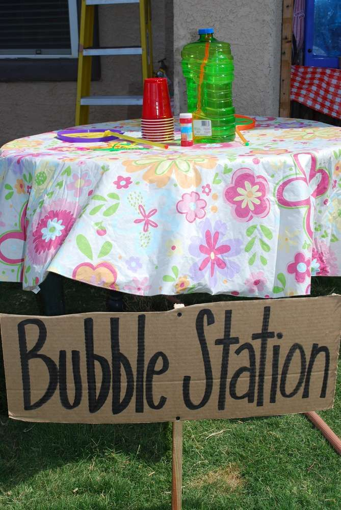 We had this station at our church picnic in August, 2015, and the kids blew bubbles everywhere they could think of.