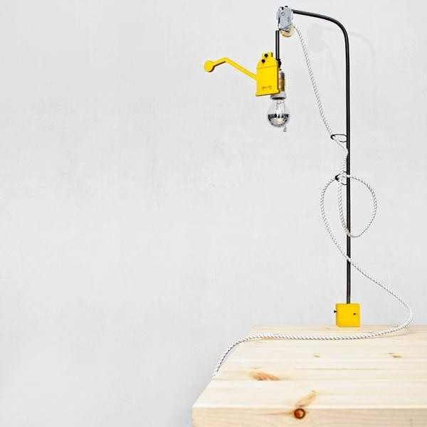 vertical desk lamp_designed by: 157 + 173 Designers