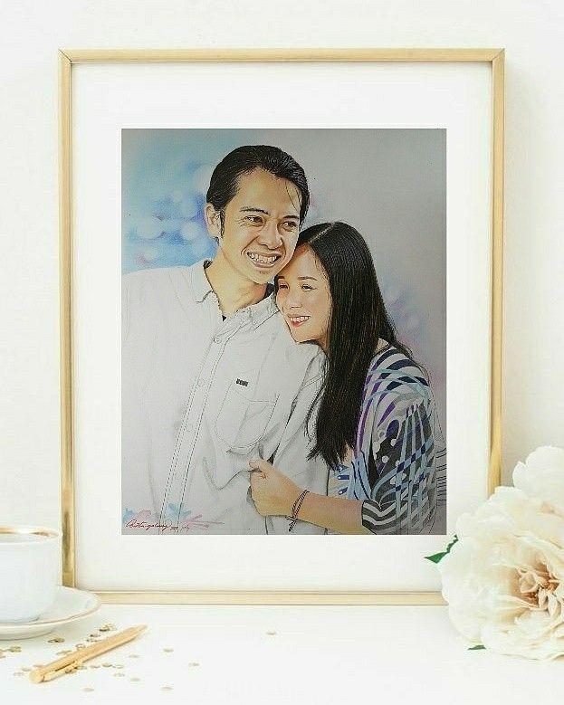 #painting #portrait #frame #jasalukis #jasalukiswajah #jasalukiskediri #jasalukisindo #kedirikekinian #kekinian #gifts #kado #unik #pajangandinding #kadoultah #kadoanniversary #kadowisuda #kadoulangtahun #preewed #preewedding #couple #wedding #love #photography #boy #commission_art #galung_art