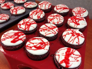 halloween blood spatter cupcakes inspired by the show dexter and other creations that i have - Halloween Inspired Cupcakes