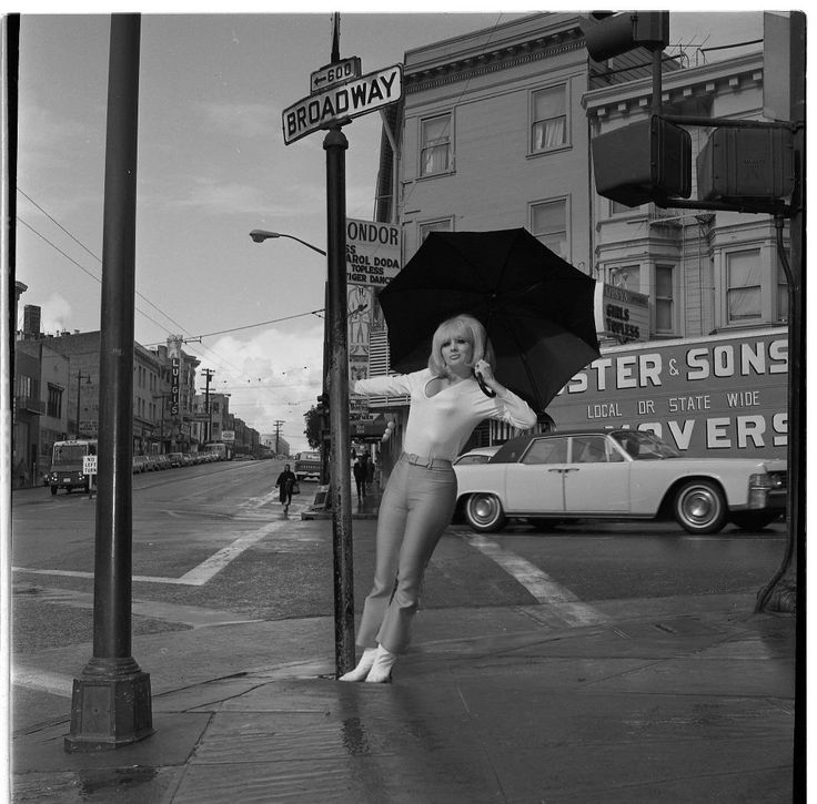 Carol Doda outside the Condor Club in 1966. Photo: Gordon Peters, The Chronicle