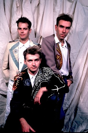 Crowded House from the 80's so good...