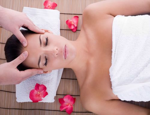 Enjoy A Relaxing Head Massage Best Natural Home Remedies And Cures For Migraine Headaches