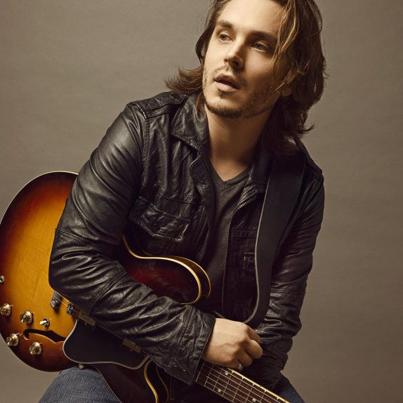 Avery Barkley (as played by Jonathan Jackson) | Nashville TV Series Cast Members | CMT