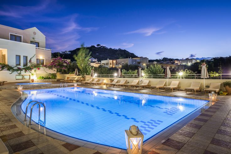 With clear summer evening skies, cool, clean pool waters and a welcoming atmosphere, Oscar Suites & Village is the place to be this summer! https://www.oscarvillage.com/hotel-pools  #Oscar #OscarHotel #OscarSuites #OscarVillage #OscarSuitesVillage #HotelChania #HotelinChania #HolidaysChania #HolidaysinChania #HolidaysCrete #HolidaysAgiaMarina #HotelAgiaMarina #HotelCrete #Crete #Chania #AgiaMarina #VacationCrete #VacationAgiaMarina #VacationChania