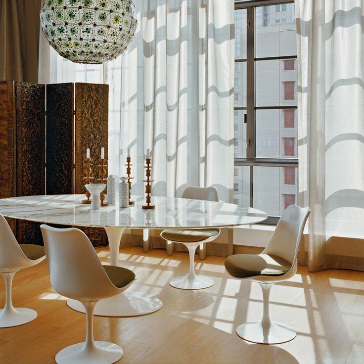 chaise-saarinen-vinyle-blanc-knoll-saarinen-silvera_01.jpg