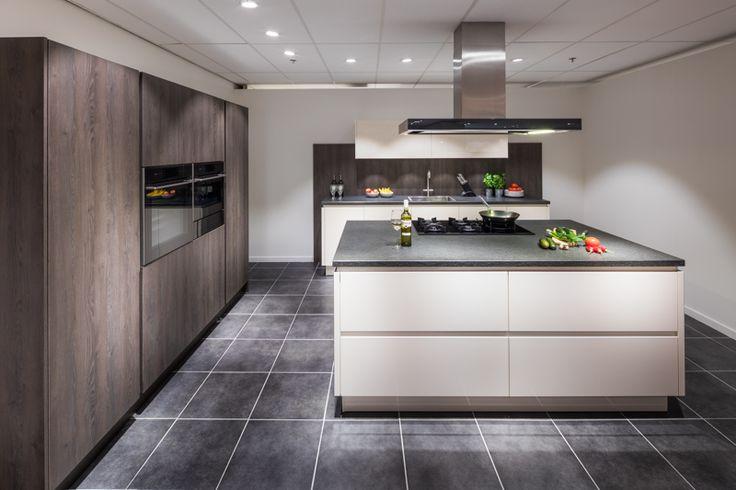 25 beste idee n over groot kookeiland op pinterest grote keuken - Grote keuken met kookeiland ...