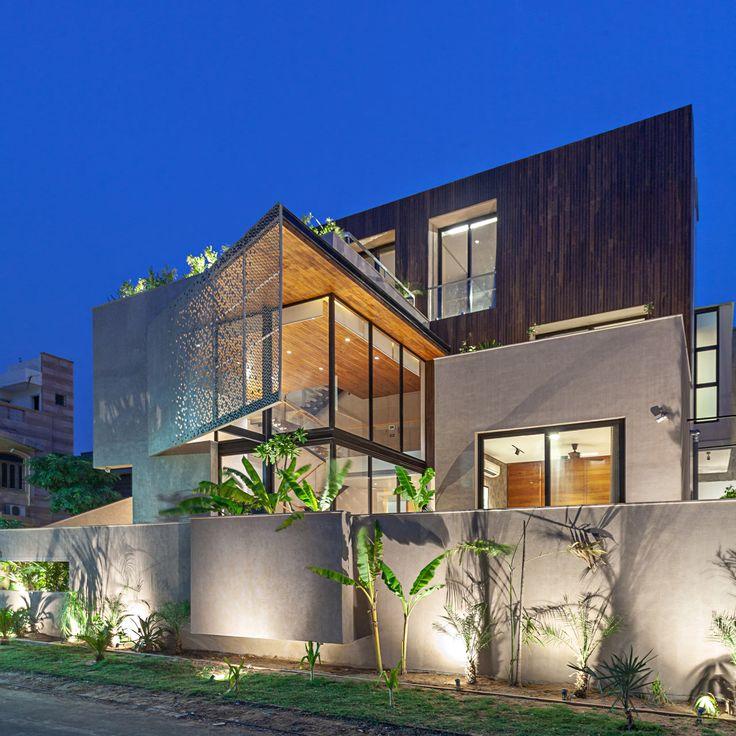 Boundary Wall Designs For Indian Homes: Chhavi House: A Desert Villa In Jodhpur By Abraham John