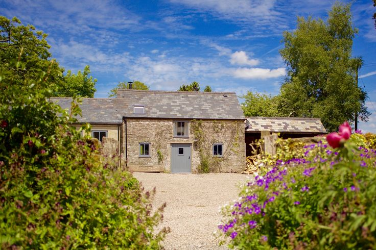 A delightfully shabby chic cottage on a working farm in Hay-on-Wye