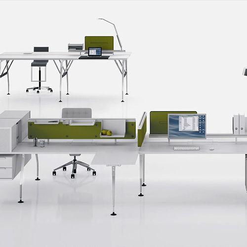 Ad Hoc modulopbygget borde. Funktionel levetid og økonomisk effektivitet på grund af sin tilpasningsevne. Materialerne er af høj kvalitet. #kontormøbler #kontor #kontorindretning #skriveborde #computerborde