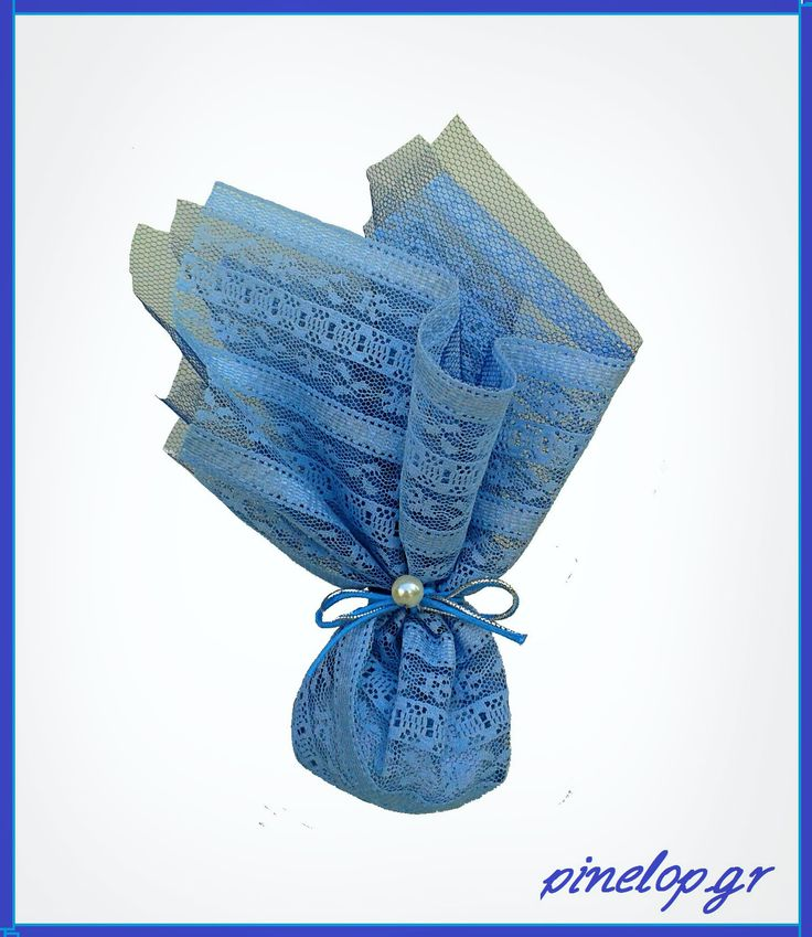 Wedding favours with light blue fabric and white pearl!