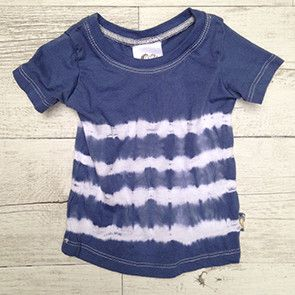 Tie Dye Indigo Blue Short Sleeve T-Shirt Beautifully soft, Indigo blue hand dyed T-shirt made out of organic cotton  Each of our hand-made tie-dye garments are unique and although they are very similar they will never be identical. The smaller sizes have 4 stripes (SIZE 0 & 1) across the body and on the larger (SIZES 2,3,4,5,6) we managed to squeeze in 5 stripes!