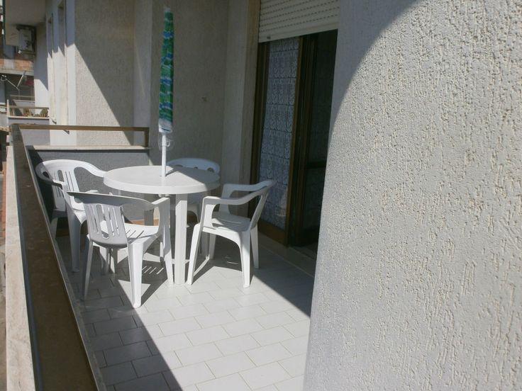 Stupendo il mare, bella la casa - Calabria, Torre Melissa,  BANDIERA BLU anche nel 2016.  Affitto appartamento, 115mq, recente costruzione, molto bene arredato,  TV, lavatrice. Grande  soggiorno, cucina, due camere letto, bagno, veranda; posto auto. Mare veramente pulito, bellissime spiagge.  - http://www.ilcirotano.it/annunci/ads/stupendo-il-mare-bella-la-casa-2/