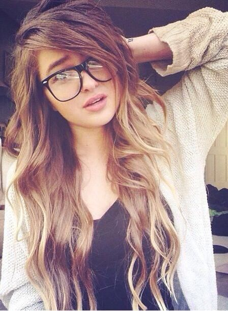 Hey, I'm Willow. I'm 16 , and most of my friends are androids. I'm really smart, I'm a human by the way. I'm a mechanic, well kinda. If they have any 'glitches' I can fix those and some broken parts.