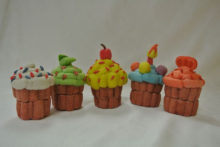 have a cupcake party with Magic Nuudles! crafting has never been this fun! ages 3 and up!