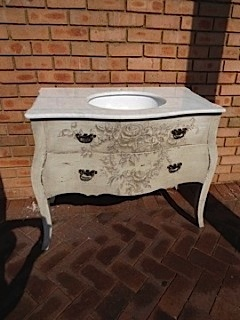 Grisaille Classica Vanity with Rose Artwork
