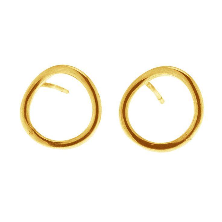 Gold plated sterling silver circle earrings from By Malene Meden at Svane & Lührs.   www.svane-luhrs.com.