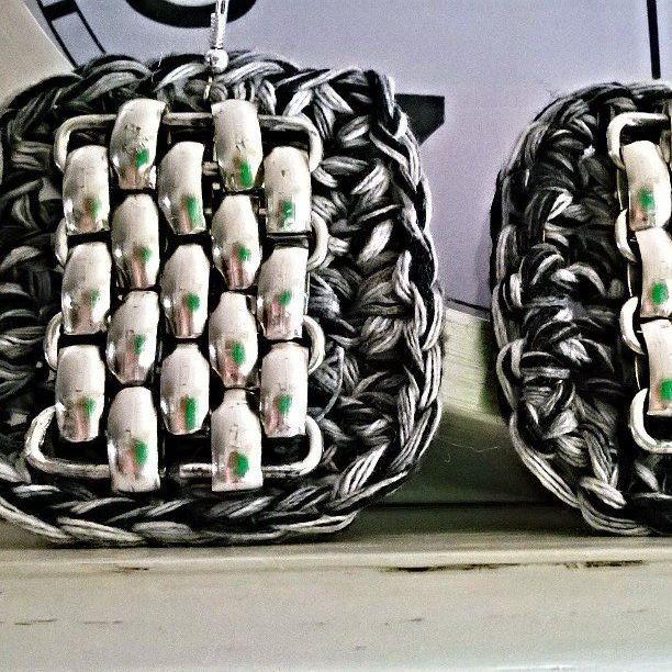 Orecchini quadrati ,grandi ,grigio  melange lavorati a mano con materiali di recupero., by Ideacreazioni, 23,00 € su misshobby.com