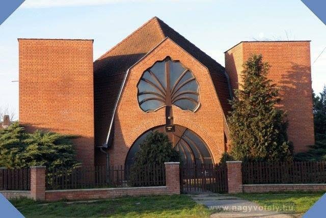 Makovecz Imre épületei - Adventista templom - Csenger - Alföld