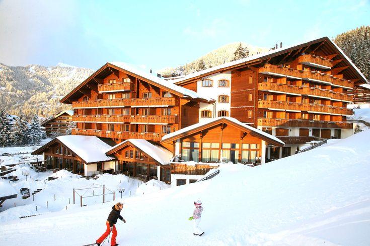 l SKI PASS INCLUSIVE l Pour ce week-end, réservez votre Chambre avec petit-déjeuner + accès au spa + un jour de Ski Pass, TOUT INCLUS à partir de 490.-CHF/nuit pour deux personnes.