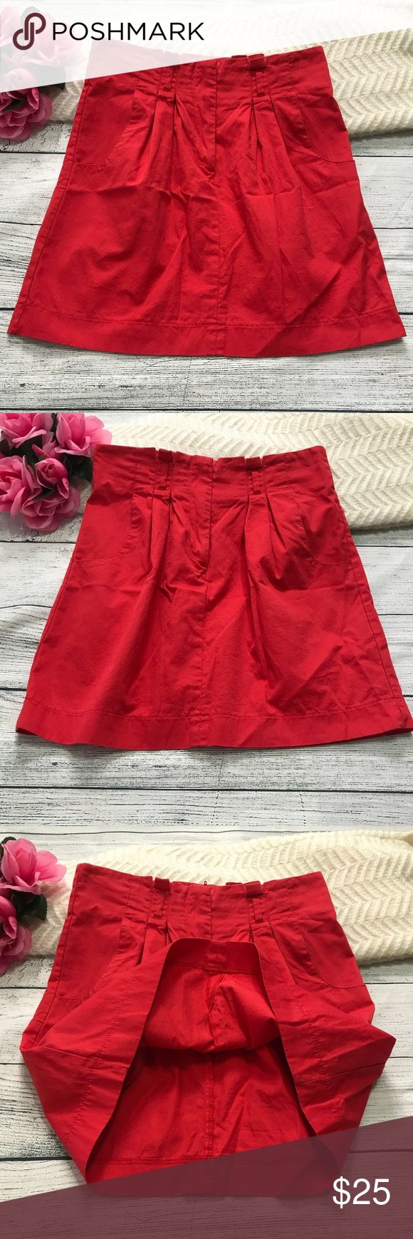"""Topshop Pleated Red Orange Mini Skirt Sz6 100% Cot Topshop Pleated Red Orange Mini Skirt Sz6  In great condition; No damage, holes, rips or stains;  Flat Measurements  Waist 14"""" Length 16""""  100% cotton Topshop Skirts Mini"""