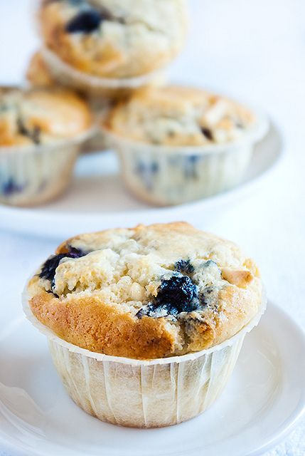 White chocolate & blueberry muffins | Recipes - Muffins | Pinterest