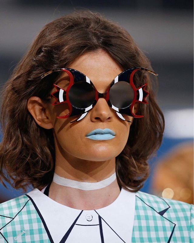 Голубые лазурные лиловые зеленые и другие оттенки которые обычно радуют глаз порадуют в этом сезоне наши губы. Больше о модных помадах на #VogueUA  @vogueua_beauty #vogueuabeauty #thombrowne #beauty #lipstick #lips #trend #fashion #beautytips  via VOGUE UKRAINE MAGAZINE OFFICIAL INSTAGRAM - Fashion Campaigns  Haute Couture  Advertising  Editorial Photography  Magazine Cover Designs  Supermodels  Runway Models