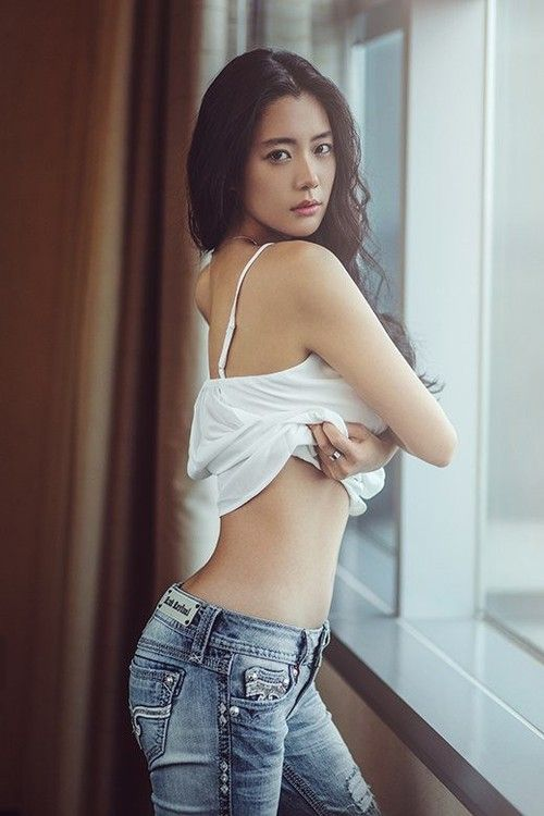 """Actress Clara poses for """"BNT International""""; reveals she'd like to try a nude pictorial 