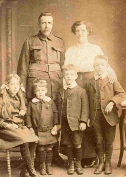 Burntisland man Bill Dewar and his family