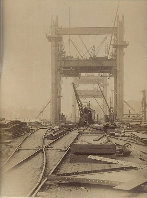 Unseen images of Tower Bridge under construction in the 1880's.
