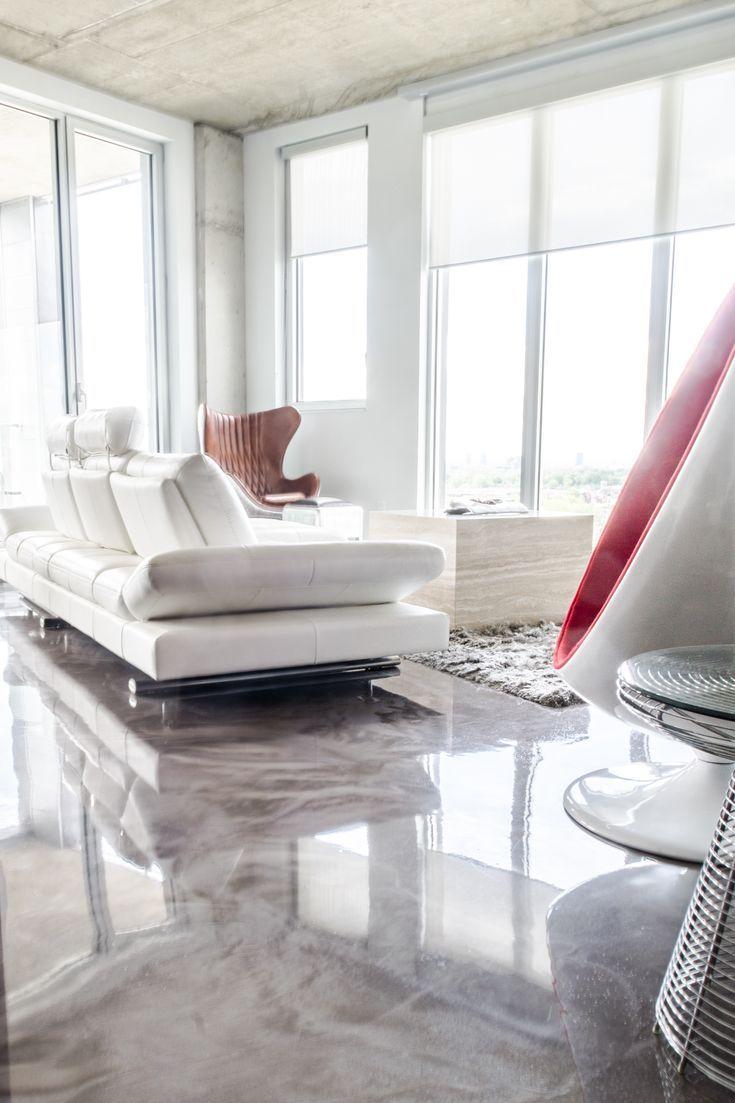 Adoptez Le Plancher En Epoxy Metallise Dans Votre Salon Salon House Appar Metallic Epoxy Floor Epoxy Floor Flooring