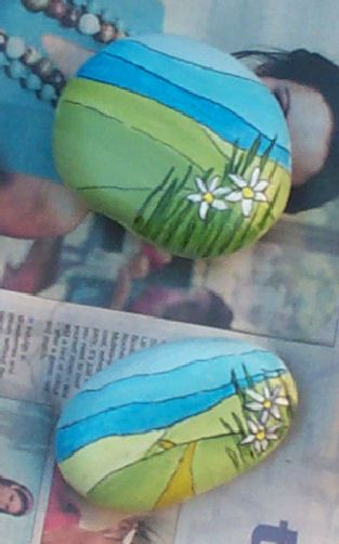 Painted #rocks / stones :: Cute Paperweights ツ