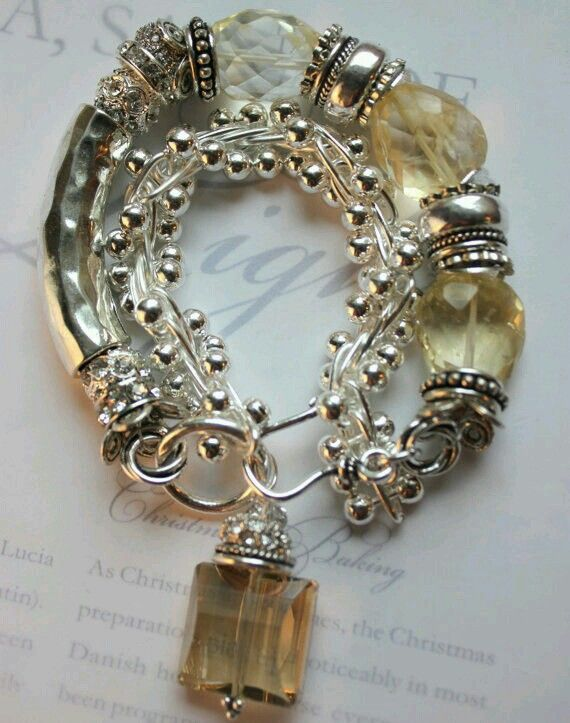 Silver and crystal...Magnificent combination.... I LOVE It  Slvh❤