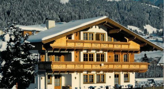 Apartment Daxauer - #Apartments - $86 - #Hotels #Austria #SanktJohanninTirol http://www.justigo.biz/hotels/austria/sankt-johann-in-tirol/apartment-daxauer_41594.html