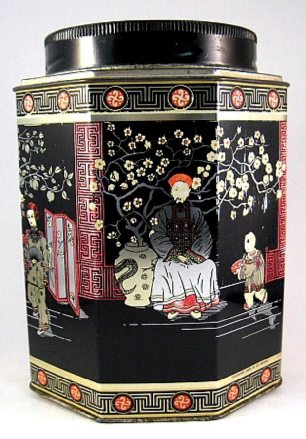 This is a large vintage English tea tin, tea canister, tea caddy or biscuit tin made in England by Daher or Baret in the 1930-1940s. The large oriental design tea tin measures 6.5 inches high by 4.5 i