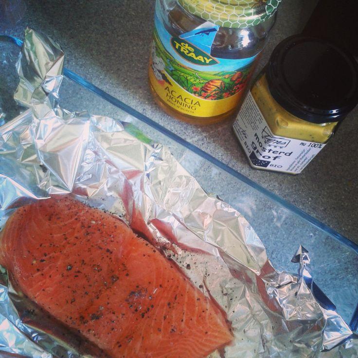 Zalm met honing/ mosterd uit de oven