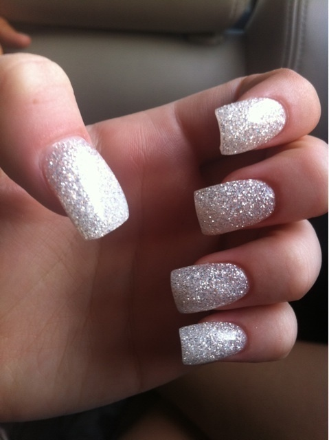 sparkly. would be fun for a formal event, or like new years. just - Best 25+ Formal Nails Ideas On Pinterest Nice Nails, Cute Fall