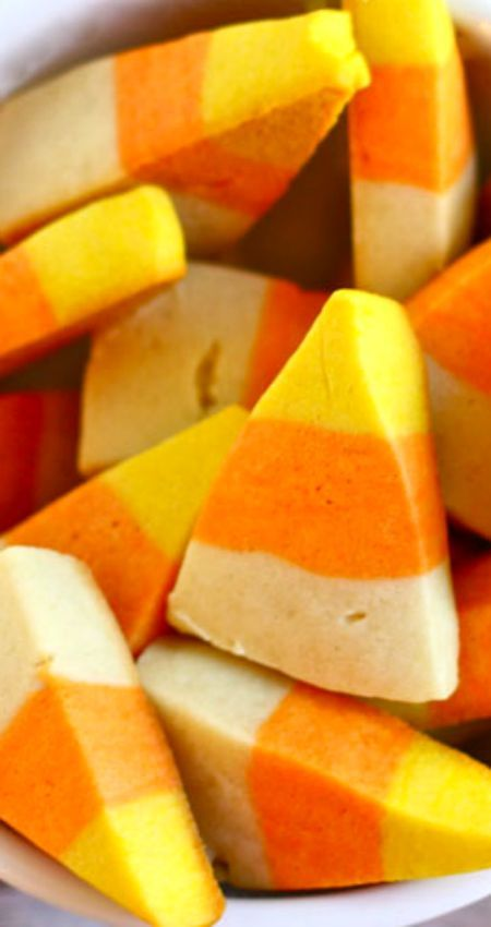 How to Make Candy Corn Cookies ~ Kids of all ages will love this treat