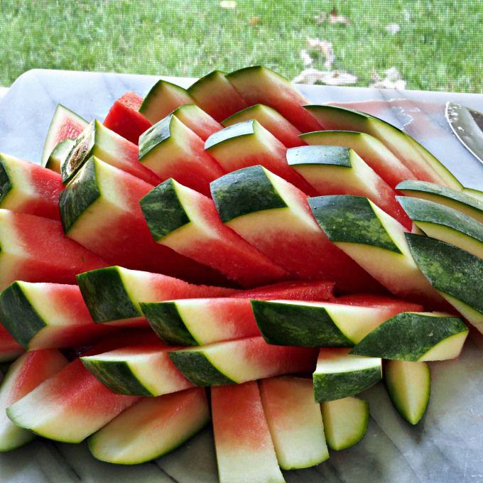 How-to-Cut Watermelon Sticks