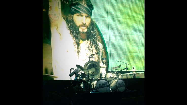 26/11/2016,#80er,baterista,#black #sabbath,en vivo,estadio de velez,#Hard #Rock,#Hardrock #80er,#Heavy #Metal,#live,#Metal,#sabbath en buenos aires,#solo de bateria,#Sound,#The #End,tommy clufetos #Black #Sabbath – Tommy Clufetos -26/11/2016 Velez. - http://sound.saar.city/?p=35374