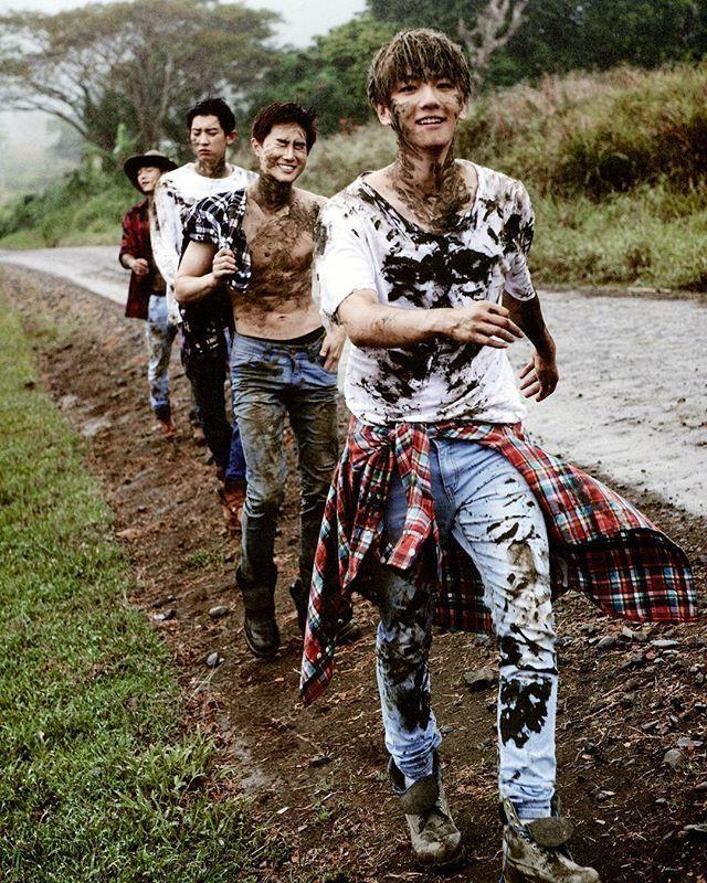 {SCAN} ♪Dear Happiness♪ Photobook . ⓒoliv_xoxo . Like & follow @exo.we.areone12 . . #AdminEla #EXO #EXOK #EXOL #EXOM #Baekhyunie #KimJumyeon #KimJongdae #PCY #Kai #Sehun #Chanyeol #Baekhyun #Suho #DO #Xiumin #Chen #Lay #Tao #Luhan #Kris  #OT12 #4YearsWithEXO #WeAreOne #EXOUpdate #ForeverWithEXO #EXOSaranghaja #Monster #DearHappiness #Photobook
