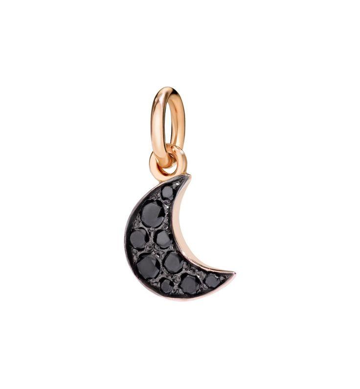 Dharm Dodo a forma di spicchio di luna in oro rosa con cristalli neri.  Acquistalo subito su ScintilleShop.com!  #ciondoli #charms #dodo #luna #halloween